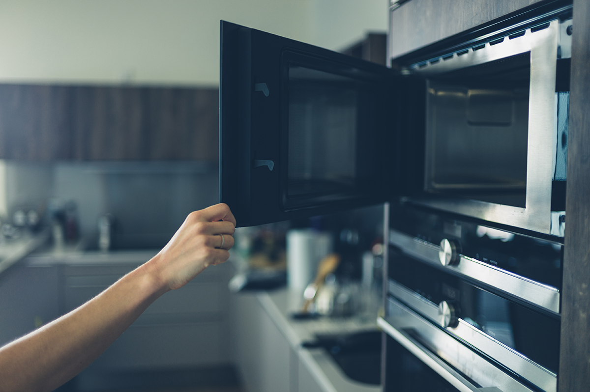Are Microwave Ovens Difficult to Maintain - breadandbuzz.com
